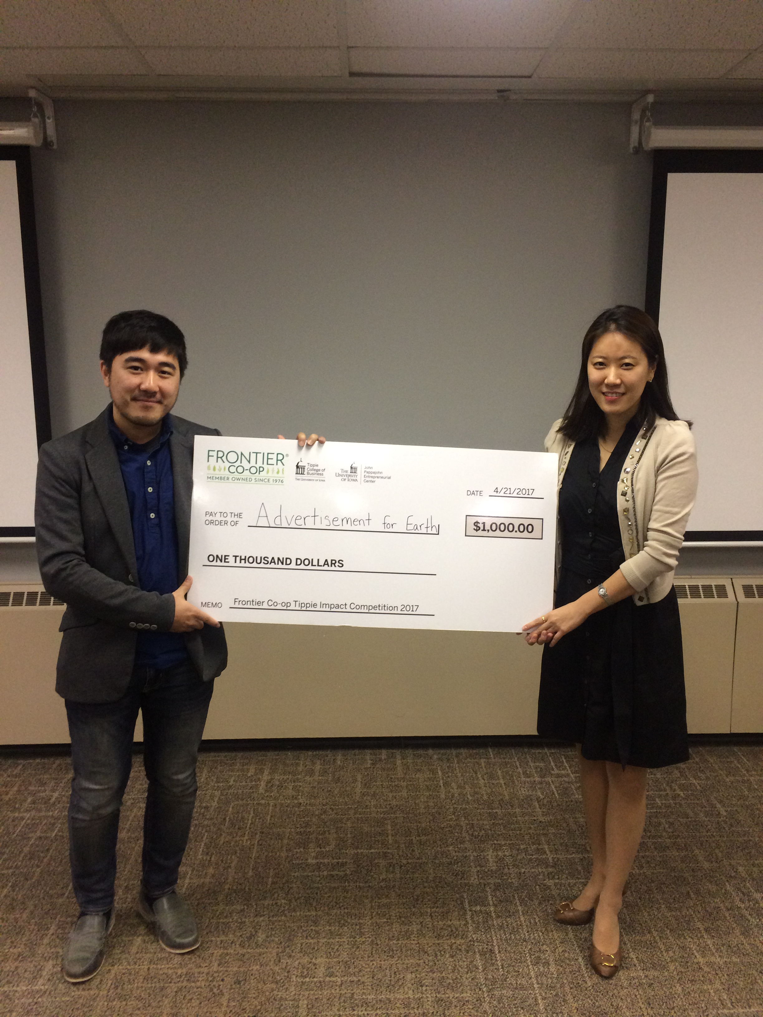 Students Win Prizes in Frontier Co-op - Tippie Impact Competition