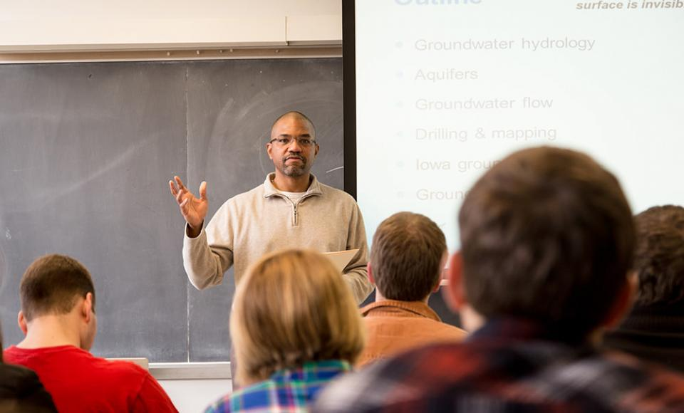 Professor Eric Tate lectures to his class