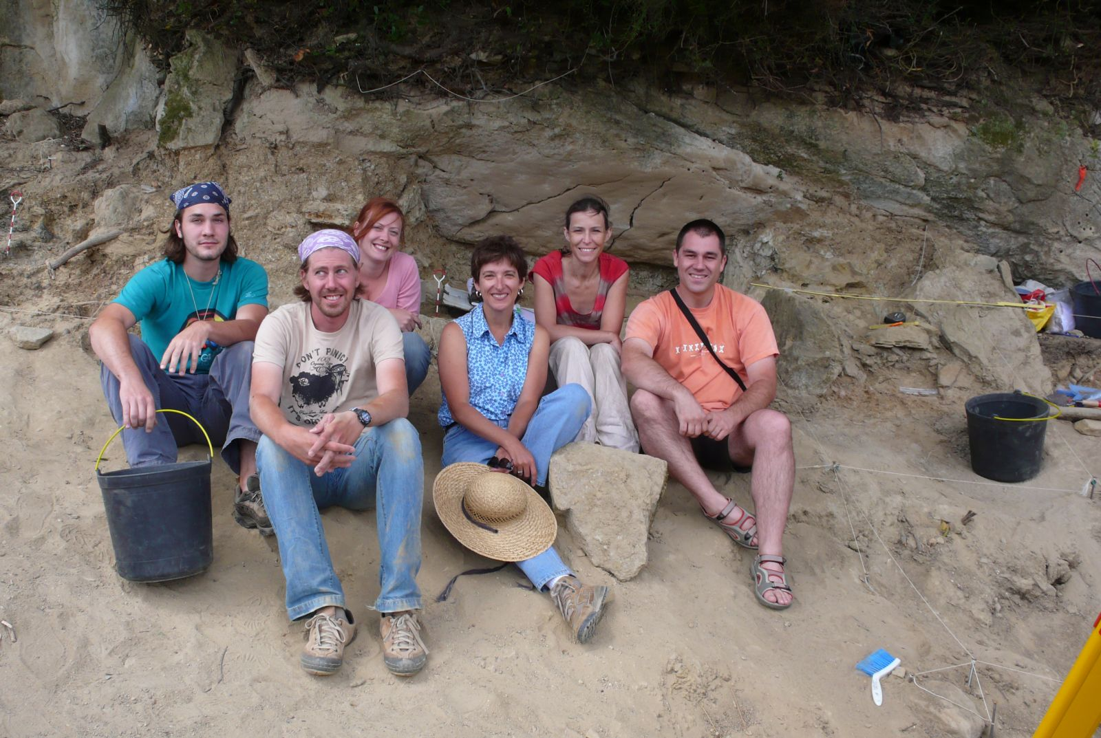 Katina Lillios (center) and students at excavation in Bolores, Portugal