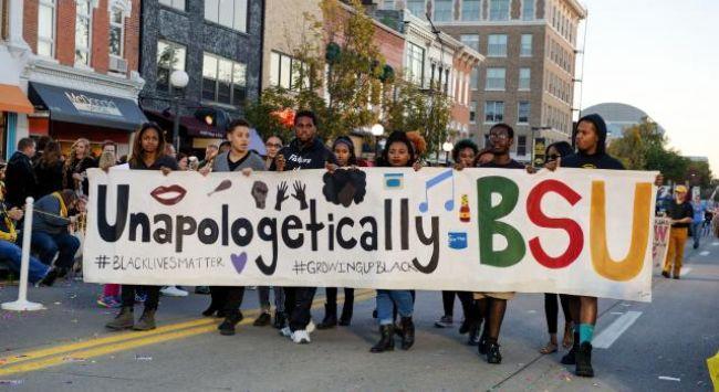BSU students at Homecoming parade